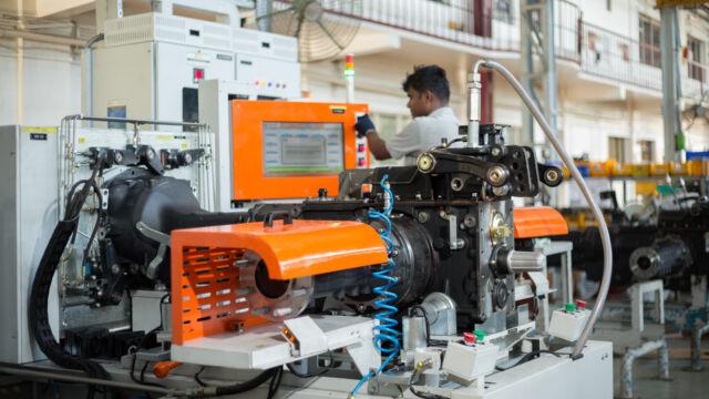 SDF modernisiert Traktorenwerk in Indien
