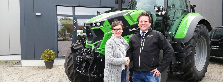 Landtechnikhändler Rudolf Meyer Agrartechnik fährt auf Deutz-Fahr ab