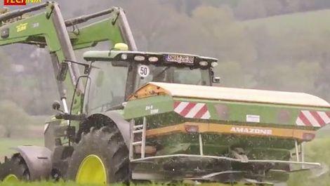 Amazone Düngerstreuer ZA-V 2700 Profis Hydro im AGRARTECHNIK-Test