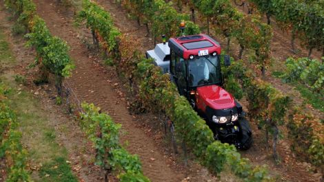 Case IH: Kompakte Hightech-Traktoren für Sonderkulturen
