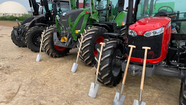 Baustart für ein neues RWZ-Agrartechnik-Zentrum in Wölfersheim-Berstadt