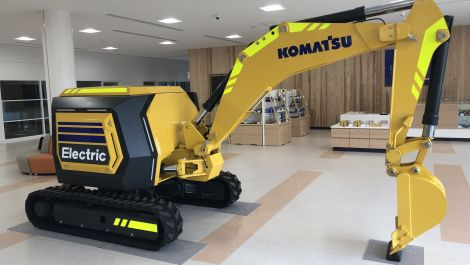 Komatsu kündigt vollelektrischen ferngesteuerten Minibagger an