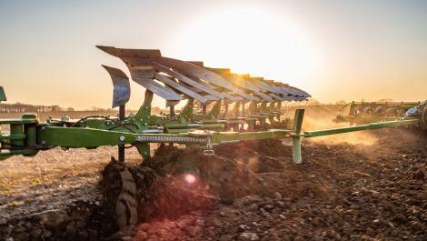 Amazone präsentiert neuen Aufsatteldrehpflug Tyrok 400