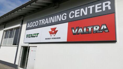 Massey Ferguson bezieht neue Schulungsräume im AGCO Training Center Süd